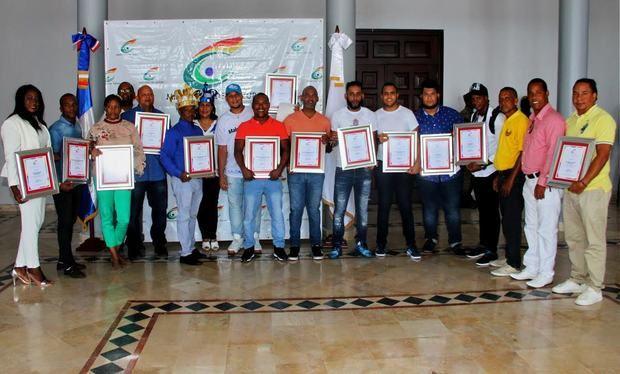 Cultura entrega premios a comparsas ganadoras del Desfile Nacional de Carnaval 2019