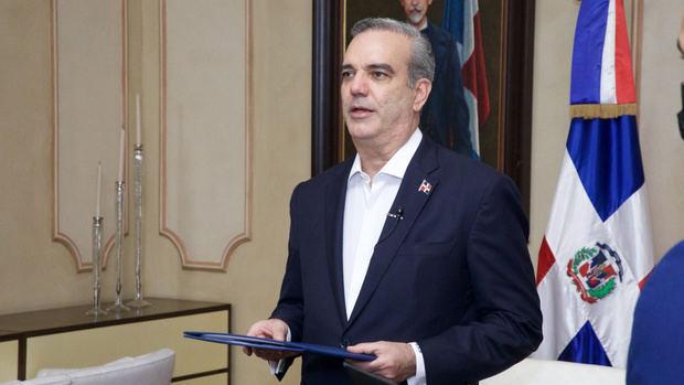 Presidente Abinader decreta un plan de austeridad para recortar gastos del Ejecutivo