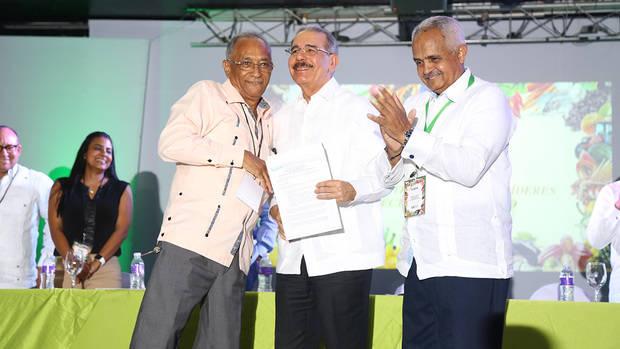 Medina asiste a clausura XVIII Encuentro Nacional Líderes Sector Agropecuario