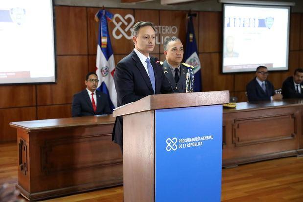 Procurador y director de la policía rinden informe del caso David Ortiz