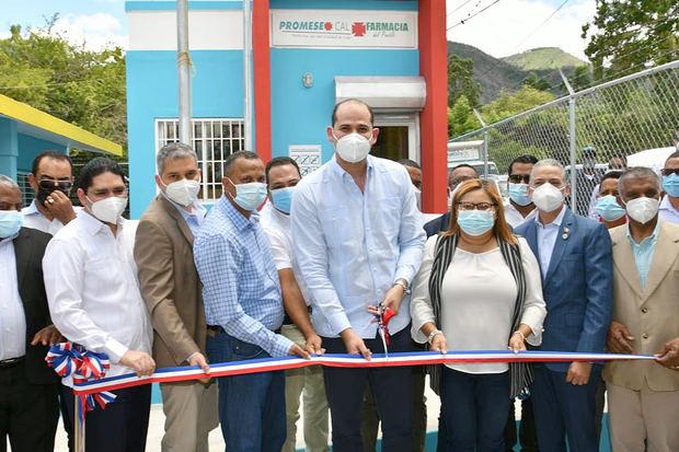 PromeseCal inaugura en Azua cuatro Farmacias del Pueblo