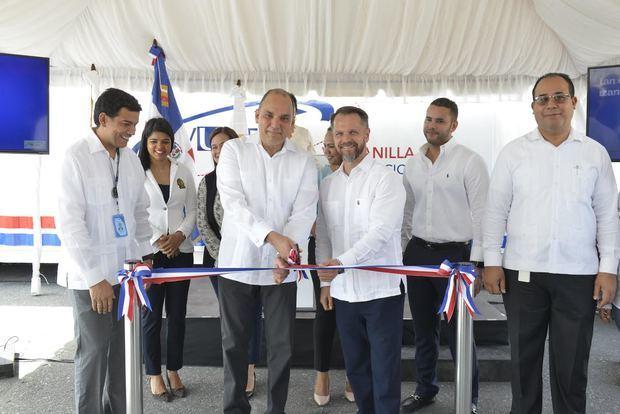 Inauguración del Primer Centro Móvil Vuce en Caucedo.
