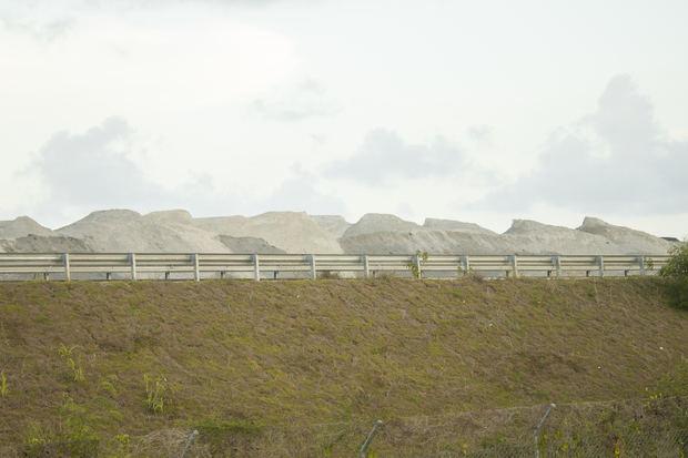 Trabajan en un plan para mitigar daños de las cenizas de Punta Catalina