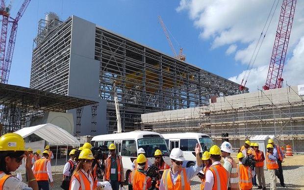Anuncian licitación internacional para auditar construcción de Punta Catalina