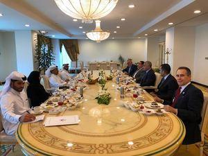 República Dominicana y Qatar celebraron este lunes las primeras consultas políticas de sus 19 años de relaciones diplomáticas.