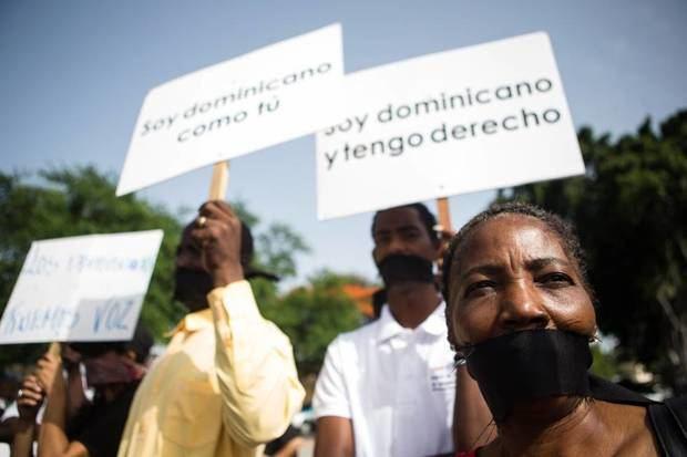 Organizaciones denuncian en el país se practica un 'racismo institucional'.
