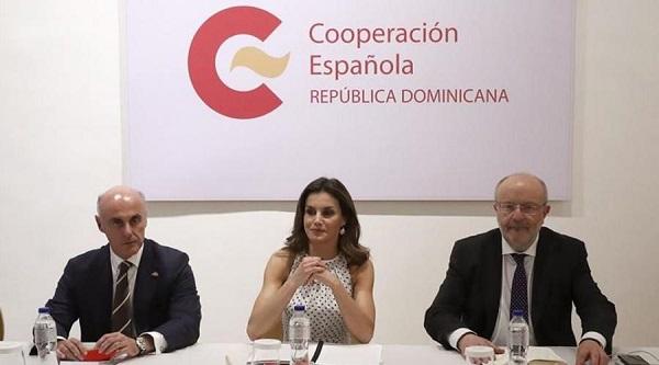 Emisión postal reconoce labor de Cooperación Española en el país en 30 años