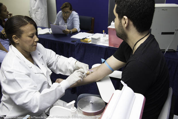 Hospital General de la Plaza de la Salud realiza operativo en UNIBE