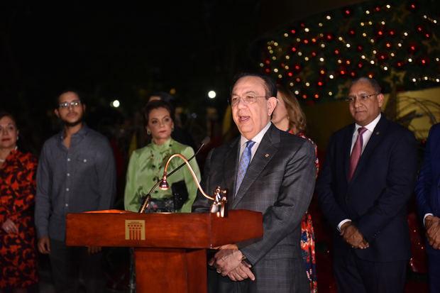 Banco Central enciende Árbol de Navidad y Pesebre.