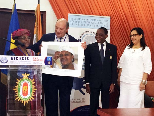 Homenaje a la sindicalista Rabiatou Serah Diallo