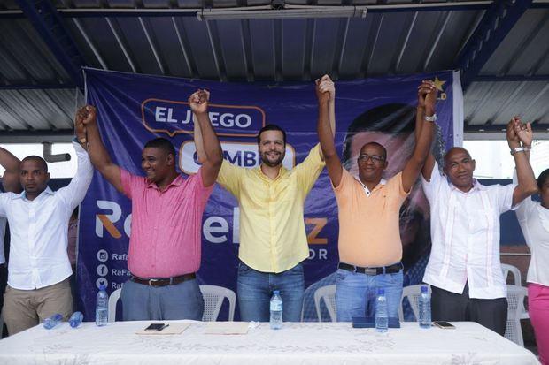 Rafael Paz durante el acto de apoyo a su candidatura en Los Girasoles.