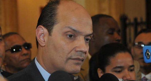 Ramfis Trujillo favorece militares y policías tengan derecho al sufragio