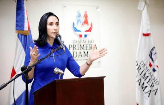"""La primera dama afirma que Abinader """"nunca le ha mentido al país"""""""