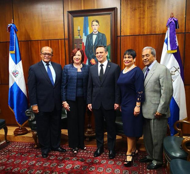 Reconocimiento al Dr. José A. Silié Gatón.