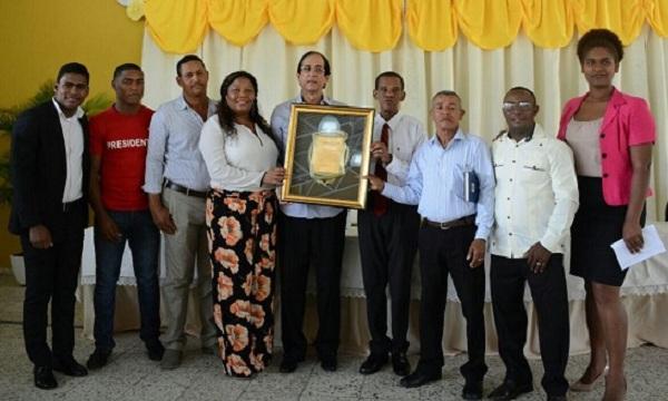Comunitarios de Santo Domingo Norte reconocen aportes ministro Montalvo