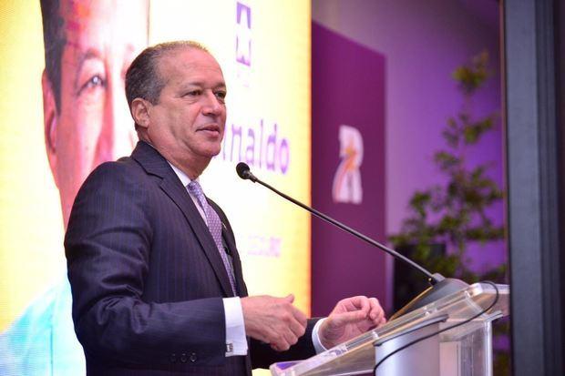 Reinaldo Pared encabeza encuentro con mujeres, asegura ganará primarias de octubre y elecciones 2020