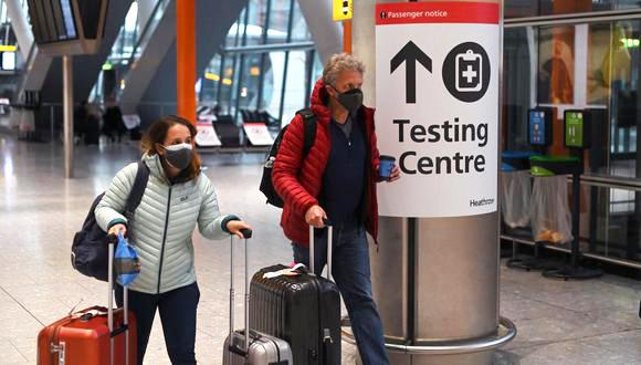 El Reino Unido refuerza el control fronterizo con nuevos test y pena de cárcel