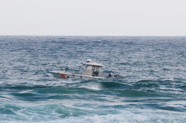 Rescatan a 2 dominicanos que pasaron 14 días a la deriva en Caribe colombiano