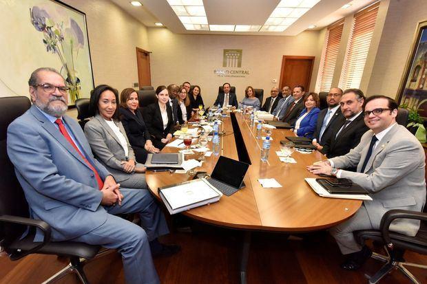 El personal del FMI completa la misión del artículo IV de la República Dominicana