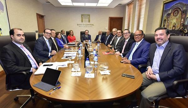 Adozona presenta al Banco Central los logros y perspectivas de ese sector