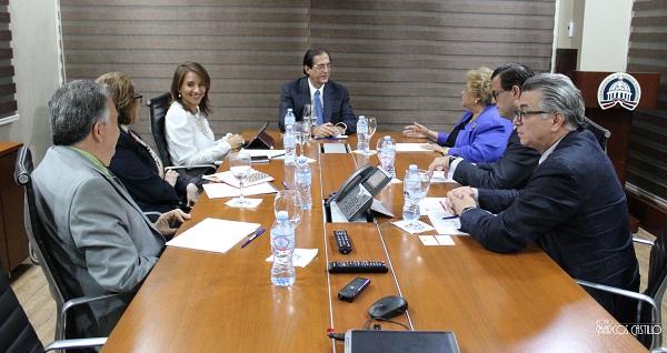 Ministro de la presidencia recibe visita de cortesía de la presidenta de la Cruz Roja Dominicana