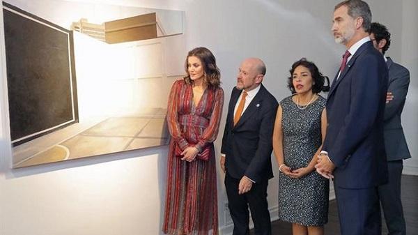 Los Reyes de España conversan con artistas peruanos que participarán en ARCO 2019