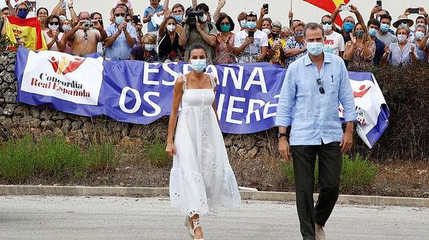 Los reyes viajan hoy jueves a Menorca para apoyar el turismo en la isla