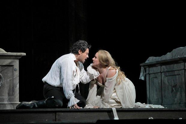 Cuatro populares óperas de la galardonada serie de presentaciones de cine en vivo del Met regresan a la gran pantalla este verano