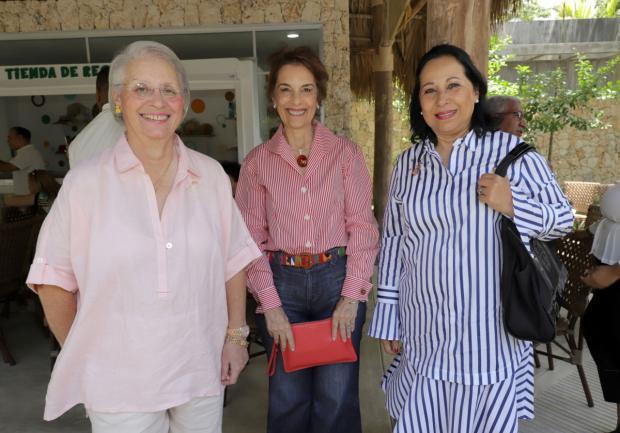 Rosa Bonetti de Santana, Lucía Amelia Cabral y María Teresa Ruíz.