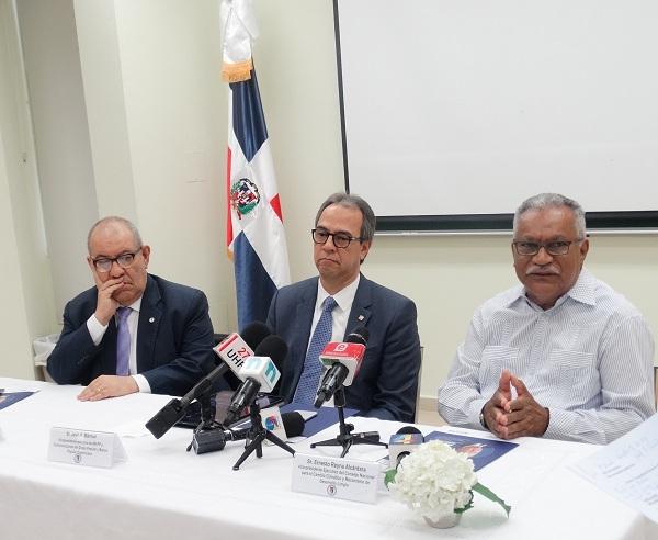"""Cátedra de RSE """"Alejandro Grullón"""" y Consejo para el cambio climático inician diplomado"""