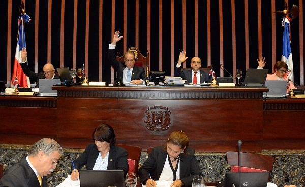 Senado aprueba ley que incluye en el curriculum estudiantil asignaturas sobre Prevención y Consumo de Drogas