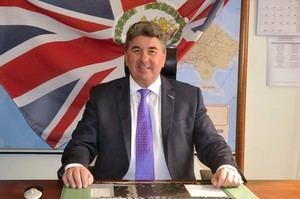 Embajador Británico Chris Campbell