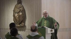 """El papa dice que las guerras son fruto de un """"orgullo reincidente y absurdo"""""""
