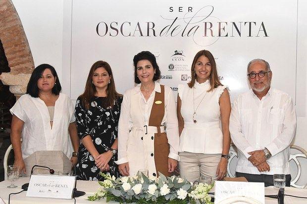 Sara Hermann, Paola Rainieri de Díaz, María Amalia León de Jorge, María Elena Aguayo y Luis Felipe Rodríguez.