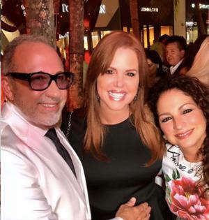 María Celeste Arrarás junto a Emilio y Gloria Estefan.