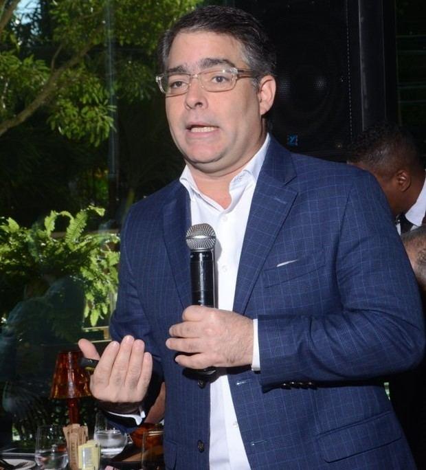 Ernesto Selman proyecta para este año crecimiento económico de 4.5%