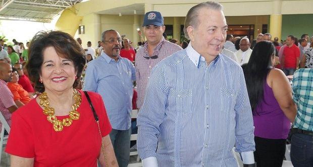 Selman y su esposa Gloria Meja deSelman