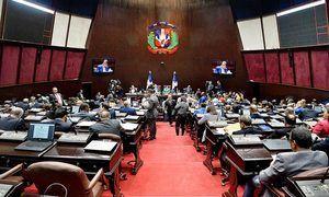 Diputados consideran que si eliminan sus exoneraciones deben aumentarse los salarios