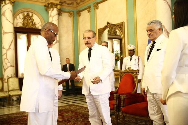 Embajador de Sri Lanka presenta cartas credenciales