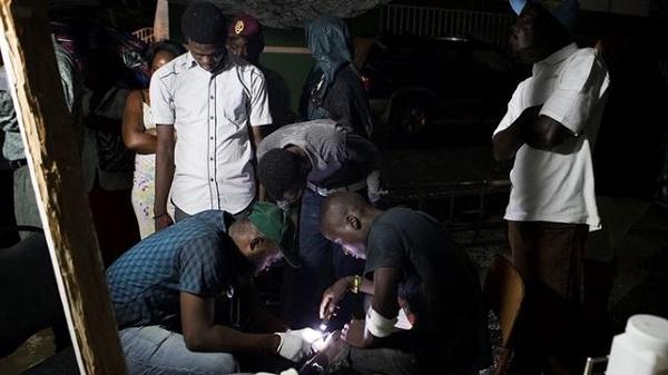 Suben a doce los muertos y a 188 los heridos por el sismo de magnitud 5,9 en Haití