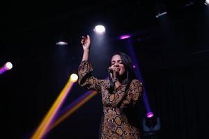 """Sugey Holguín presentará su concierto """"Para Adorarte Live""""."""
