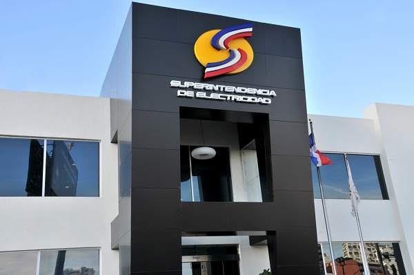 Superintendencia de Electricidad ordena acreditar RD$4 millones a clientes de Edenorte