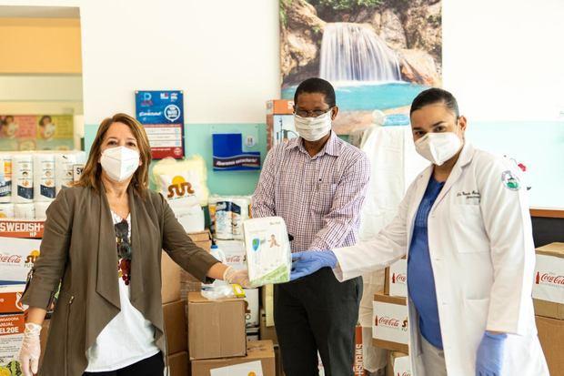 Varias provincias reciben alimentos e insumos médicos de la red de apoyo contra Coronavirus