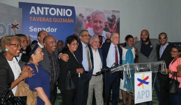 APD apoya candidatura a senador de Antonio Taveras Guzmán