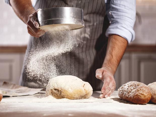 Panecillos rellenos de espinacas y queso, un plato para preparar sin horno