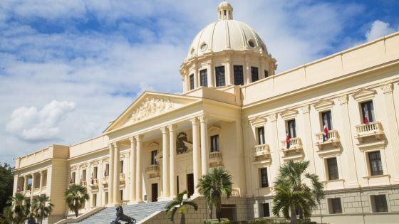 Médicos marcharán al Palacio Nacional para exigir mejoras
