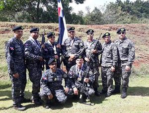 Policías campeones torneo tiro con fusil 51 Juegos Deportivos Militares y PN.