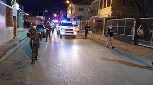 Casi 2,500 detenidos por violar el toque de queda al ampliar su horario.
