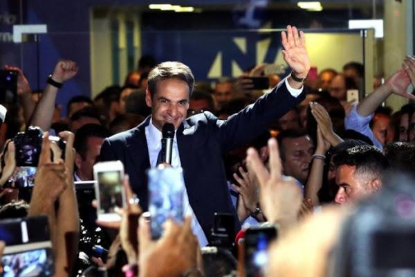 """Le han dicho """"no"""" a Alexis Tsipras y le han dado la mayoría absoluta a Kyriakos Mitsotakis, líder de la conservadora Nueva Democracia."""