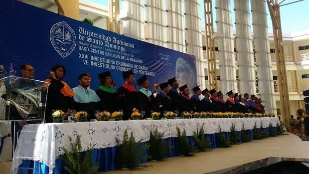 UASD inviste 492 nuevos titulados en grado y postgrado